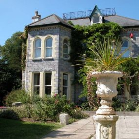 Wunderschöne, alte Herrenhäuser prägen das Bild Südenglands