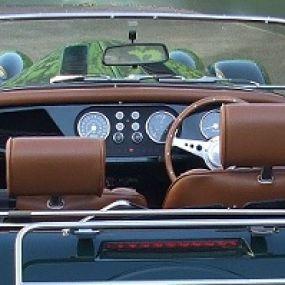 Aber der Morgan ist einfach der Inbegriff britischer Fahrzeugbaukunst