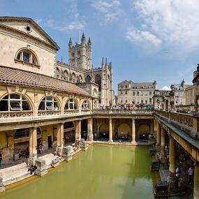 Bath hat wunderschöne Thermen zum entspannen - Urlaub in England