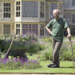 Viele fleißige Helfer sorgen dafür, dass sich die Gärten stets von ihrer besten Seite zeigen...