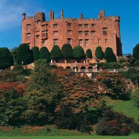 Powis Castle bei Newton