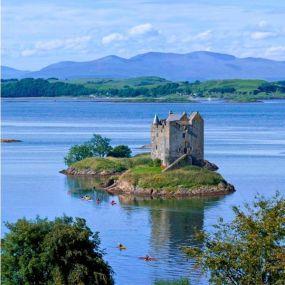 Das Castle Stalker vor der Insel Mull