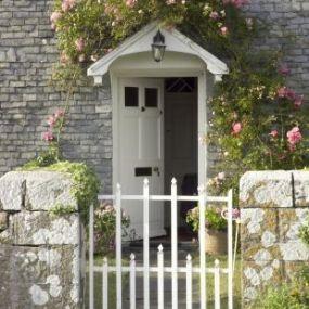In New Forest treffen Sie auf wunderschöne Cottages - Busrundrundreise Südengland