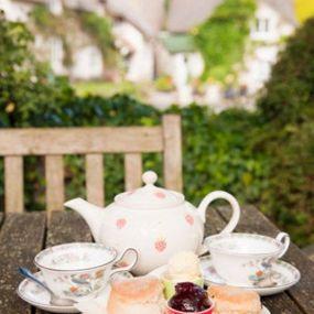 Ein typisch englischer  5 o'clock tea mitten im Grünen - die ideale Pause am Nachmittag