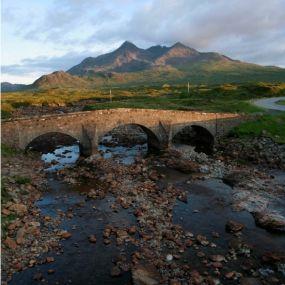 Blick auf die Sligachan Bridge auf Skye