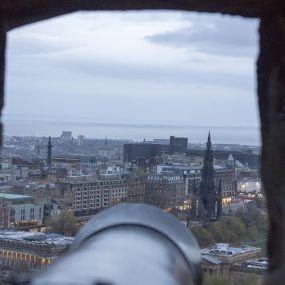 In Edinburgh startet Ihre Reise