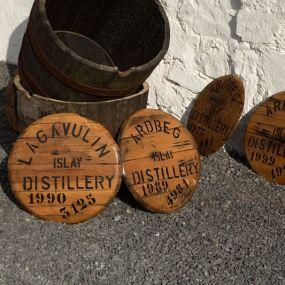 Traditionelle Faßlagerung prägt das Aroma des schottischen Whiskys