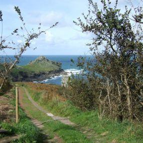 Der Weg ist das Ziel - tolle Wandertouren an langen Küstenstreifen