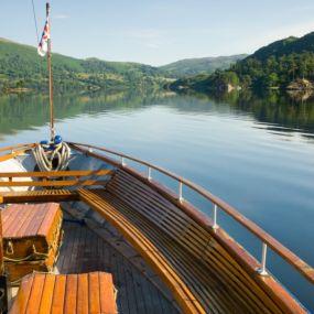 Vielleicht nehmen Sie sich die Zeit für eine gemütliche Bootsfahrt über die Seen des Nationalpark