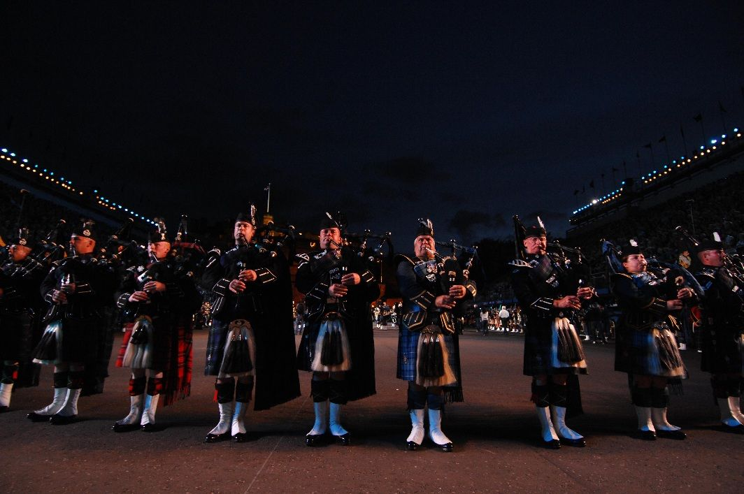 Erleben sie das military tattoo 2018 live 3 tage for Royal military tattoo