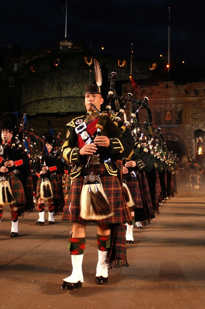 Erleben sie das military tattoo 2018 live 4 tage for Royal military tattoo