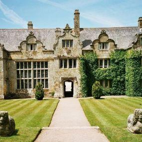Imposante Herrenhäuser laden zu einem '5 o'clock tea' ein