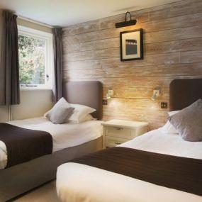 Zweibettzimmer mit getrennten Betten