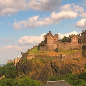 Der Castle Hill in Edinburgh