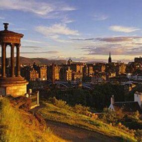 Blick auf Edinburgh - Rundreise