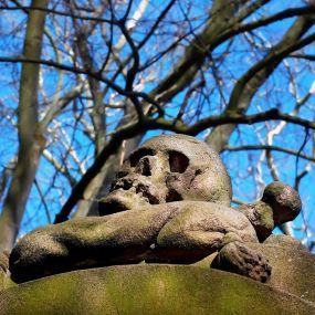 Spuk im Friedhof